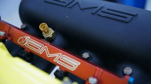 AMS A0075A-3A Топливная рейка для MITSUBISHI EVO 7/8/9 (красная)