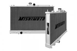 MISHIMOTO MMRAD-EVO-01 Радиатор охлаждения алюминиевый MITSUBISHI EVO 7/8/9 (МКПП)